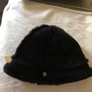 UGG BLACK SUEDE & SHEARLING BUCKET HAT NEW W/TAGS